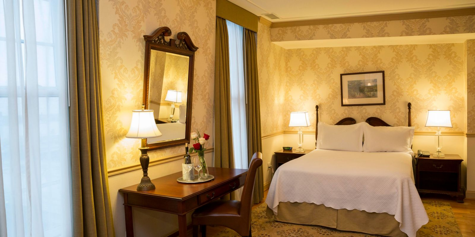 Premium Queen Guestroom at Penn's View Hotel