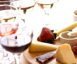 Wine & Cheese Tasting Package